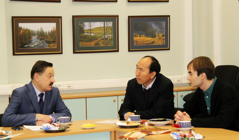 Встреча заместителя главы Красногорского муниципального района Игоря Тельбухова с исполнительным директором АО «Гринвуд» Яном Хайи